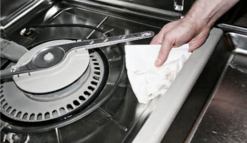 Washing the 'Dead Zone' and the Baskets dishwasher